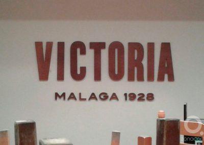 Victoria 13